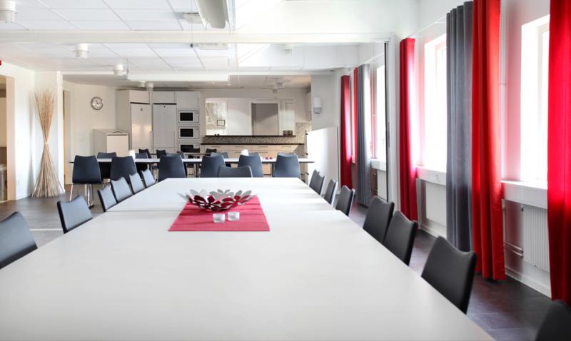 First Office Rotfjärilen